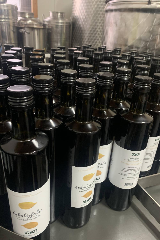 Flessen Abma's olijfolie innemend mild.